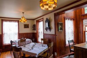 Restaurant ou autre lieu de restauration dans l'établissement Auberge Mr James