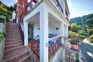 Balkón alebo terasa v ubytovaní Apartments Ana