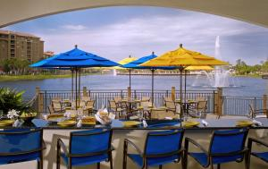 A restaurant or other place to eat at Wyndham Grand Orlando Resort Bonnet Creek