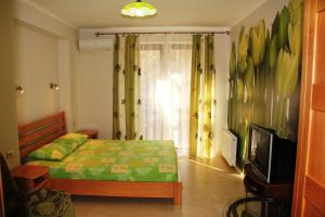 A bed or beds in a room at Shaliapin House