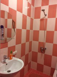 A bathroom at Guest House Na Suvorova