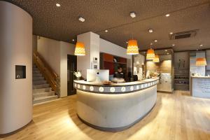 Lobby/Rezeption in der Unterkunft Steinenschanze Stadthotel