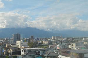 松本的景觀或從經濟型飯店拍的城市景觀