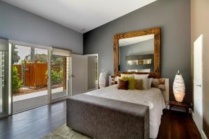 A room at Bathhouse Suites Newrybar