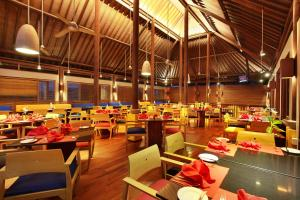 A restaurant or other place to eat at Mercure Kuta Bali