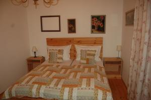 A bed or beds in a room at Luca Haza