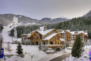 Lodging Ovations during the winter