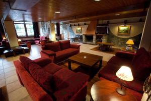 El salón o zona de bar de Hotel La Morera