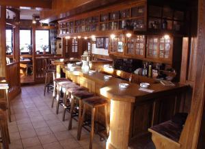 The lounge or bar area at Landgasthof Kaiser