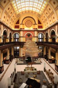 A restaurant or other place to eat at Union Station Hotel Nashville, Autograph Collection
