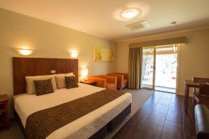 A room at Euston Club Motel