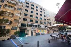 Een patio of ander buitengedeelte van Montefiore Hotel By Smart Hotels
