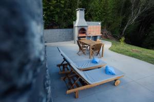 A porch or other outdoor area at Casa dos Tomarinhos