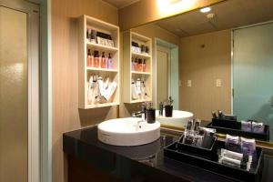 A bathroom at REFTEL Shinyokohama (Adult Only)