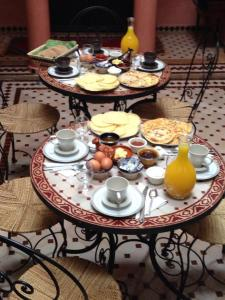 Breakfast options available to guests at Riad Abjaou