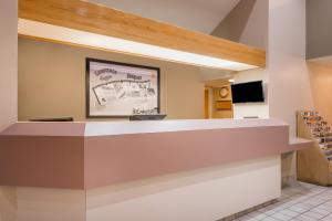 The lobby or reception area at Super 8 by Wyndham Jasper