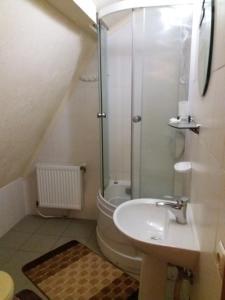 A bathroom at Bee House