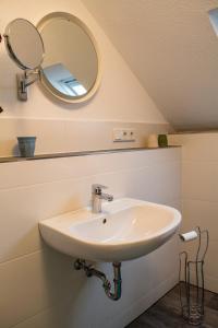 A bathroom at Eulennest-OWL