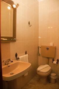 A bathroom at São Neutel