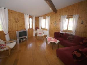 The lounge or bar area at Maison De Vacances - Harreberg I