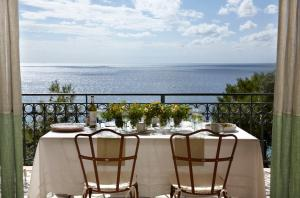 Балкон или терраса в Avra Private Suites