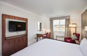 A room at DoubleTree by Hilton Bristol North