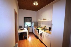 Küche/Küchenzeile in der Unterkunft Nadines Ferienwohnung