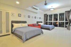 A room at Amazing KLCC View @ Regalia Residence