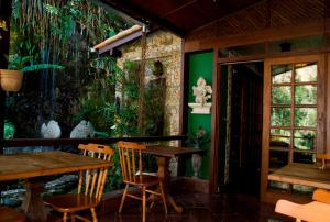 A patio or other outdoor area at Hotel Pedra Bonita