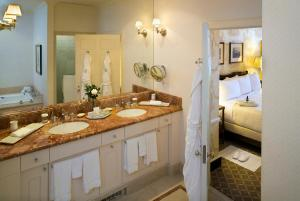 A kitchen or kitchenette at Williamsburg Inn - A Colonial Williamsburg Hotel