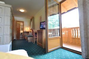 A seating area at Hotel Garni Landhaus Platzer
