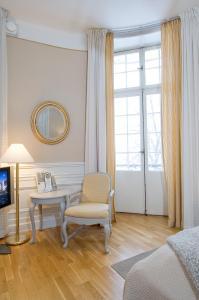 En sittgrupp på Grand Hotell Hörnan