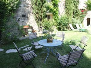 A porch or other outdoor area at Chez L Antiquaire