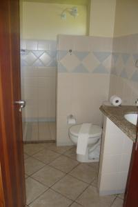 A bathroom at Pousada Portal do Maragogi