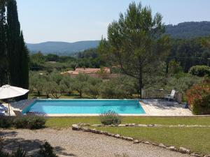 The swimming pool at or near Modern Villa with Swimming Pool in Salernes France