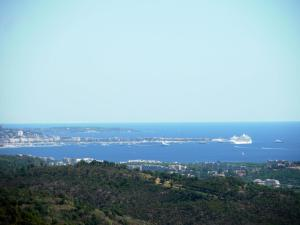 A bird's-eye view of Luxury Villa in Les Adrets-de-l'Esterel With Swimming Pool