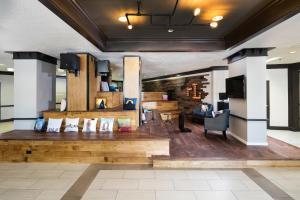 The lobby or reception area at Hotel RL Salt Lake City