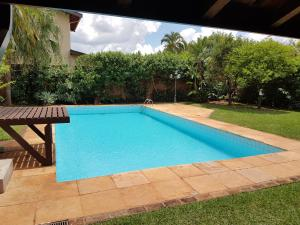 The swimming pool at or near Casa Com Piscina Unicamp
