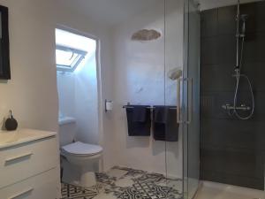 A bathroom at Vine house