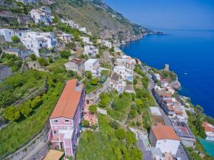 A bird's-eye view of Palazzo Rocco Villa Sunshining in Love