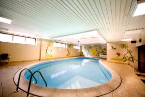 The swimming pool at or close to Best Western York House Hotel
