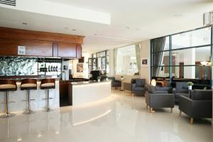 The lounge or bar area at Best Western Plus Hotel Diana