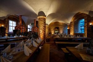 A restaurant or other place to eat at Hotel Wasserschloss Mellenthin
