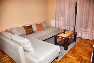 A seating area at Apartment Milković