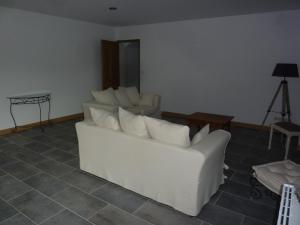 A seating area at Le Courtil