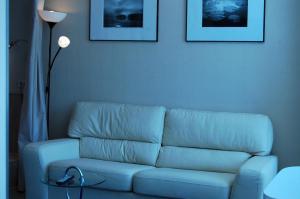 A seating area at Apartments at Dashkevicha 7