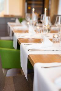 Ein Restaurant oder anderes Speiselokal in der Unterkunft Gasthof Knupfer