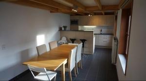 Cuisine ou kitchenette dans l'établissement Vissershuis Haerendycke