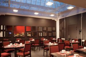 Restaurant ou autre lieu de restauration dans l'établissement Escale Oceania Marseille Vieux Port