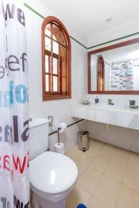 A bathroom at Sunny Bungalows Parque Golf in Maspalomas
